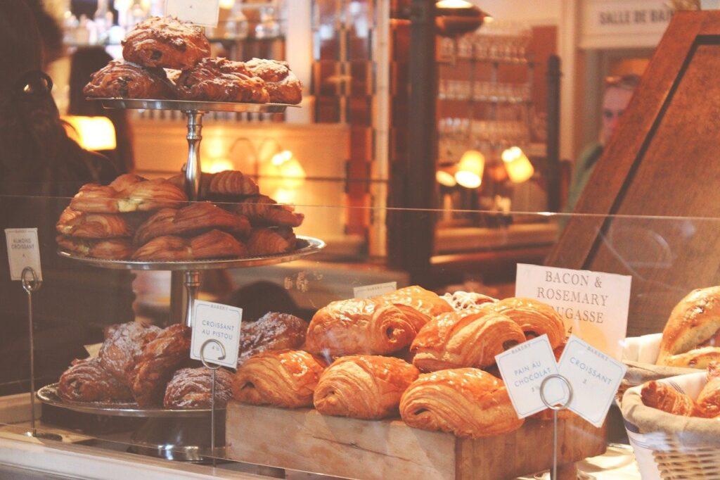 breads, pastries, croissants